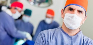 medicos-hospital-cirurgia-saude
