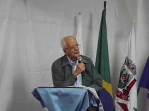 Padre Demerval, primeiro diretor da E. E. Altivo Leopoldino de Souza.